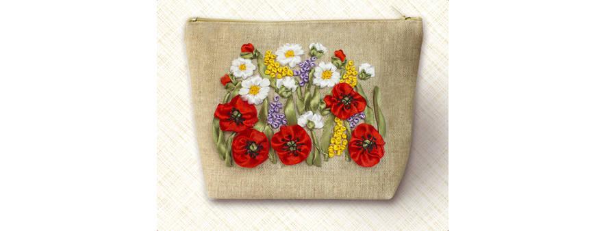 фото: косметичка для вышивания лентами от ТМ Маричка