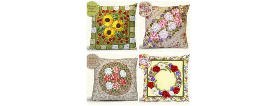 А вы пробовали вышивать лентами на подушках?