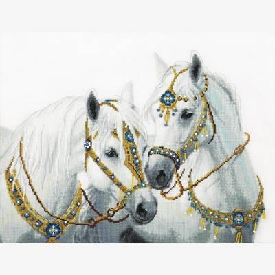 фото: картина, вышитая крестиком, Свадебные лошади