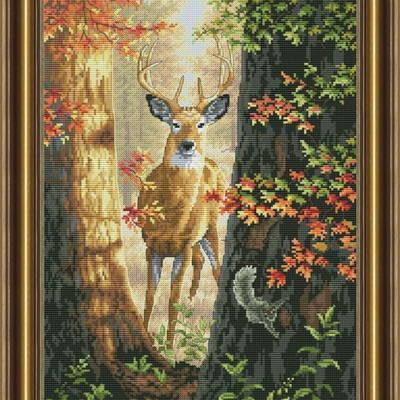 фото: картина, вышитая крестом Лесной олень