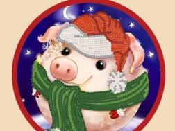 фото: новогодняя игрушка для вышивки бисером свинка