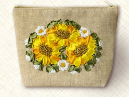фото: косметичка для вышивки лентами подсолнухи