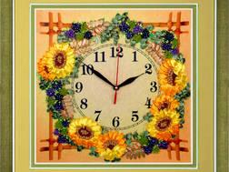 фото: часы для вышивки лентами