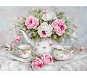 Набор для вышивки гобелена Чайный сервиз и розы