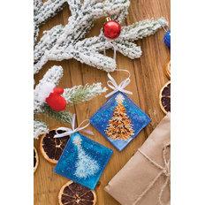 фото: новогодняя игрушка для вышивки бисером на холсте, В лесу родилась ёлочка