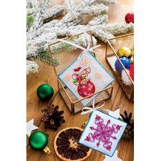 фото: новогодняя игрушка для вышивки бисером на холсте, Мышка-шалунишка