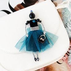 фото: украшение куколка-подвеска Воздушный топаз
