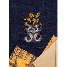 фото: вышивка крестиком на одежде Енотик
