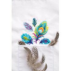 фото: вышивка крестиком на одежде Разноцветные