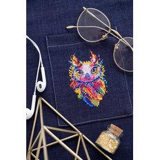 фото: вышивка крестиком на одежде Совушка малышка