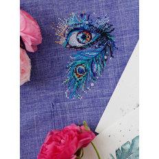 фото: вышивка крестиком на одежде Глаз, павлиний глаз