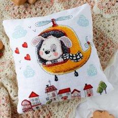 фото: подушка для вышивки крестом, Увлекательное путешествие