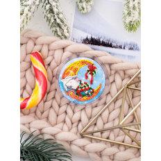 фото: магнит для вышивки бисером с акриловой рамкой Сырные сны