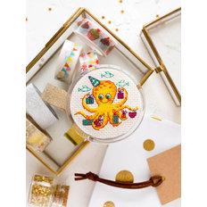 фото: магнит, вышитый крестиком, Подарки ко Дню рождения