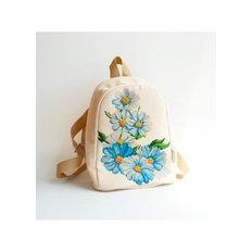 фото: сшитый рюкзак для вышивки бисером или нитками Ромашки