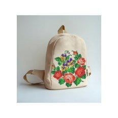 фото: сшитый рюкзак для вышивки бисером или нитками Красные розы