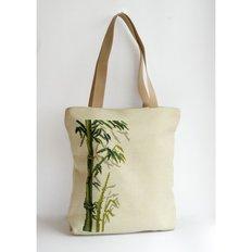 фото: сшитая сумка для вышивки бисером или нитками Бамбук