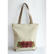 фото: сшитая сумка для вышивки бисером или нитками Маки