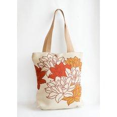фото: сшитая сумка для вышивки бисером или нитками Лотос