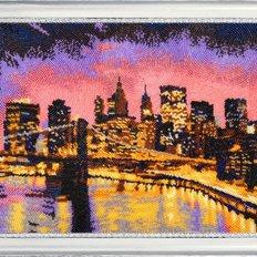фото: картина, вышитая бисером Ночной Нью-Йорк