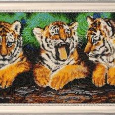 фото: картина, вышитая бисером, Три тигренка