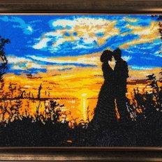 фото: картина, вышитая бисером Свидание на закате