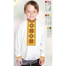 фото: вышитая бисером рубашка для мальчика