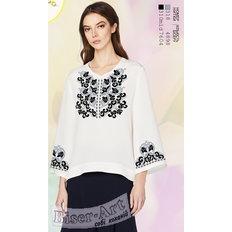 фото: белая блуза (заготовка) с вышивкой стилизованные цветы