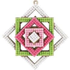 фото: ёлочная игрушка из фанеры с алмазной мозаикой