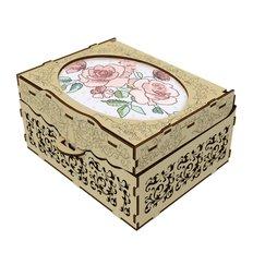 фото: деревянная шкатулка с элементами вышивки