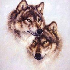 фото: картина в алмазной технике Пара волков Верность