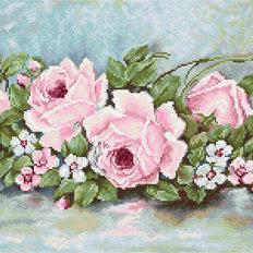 фото: вышитый гобелен Розы