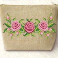 Набор для вышивки бисером Косметичка. Розы