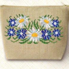 Набор для вышивки бисером Косметичка. Ромашки