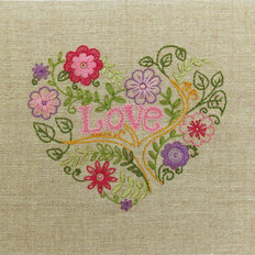 Набор для вышивки нитками Цветочное сердце