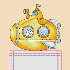 фото: картинка, вышитая крестиком на одежде, желтая подводная лодка с котиками