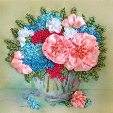 фото: картина для вышивки лентами, букет розы и гортензия