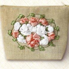 Набор для вышивания лентами Косметичка. Винтажные розы