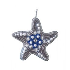 фото: украшение, вышитое бисером на пластиковой канве, Морская звезда