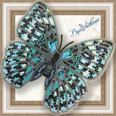 фото: бабочка, вышитая бисером на пластиковой канве: Стихофтальма Годфри
