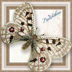 фото: бабочка из бисера Аполлон обыкновенный