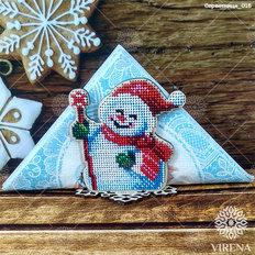 фото: деревянная салфетница с вышивкой бисером или нитками
