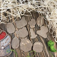 фото: набор заготовок для вышивки пасхальных украшений