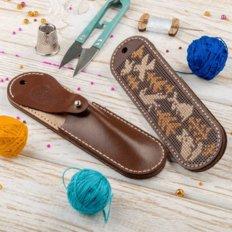 фото: набор для создания чехла для ножниц