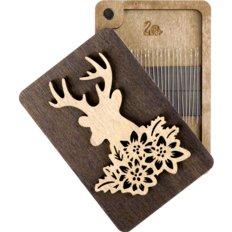 фото: деревянная шкатулка-игольница для рукоделия
