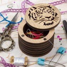 фото: деревянная шкатулка (мусорничка) для рукоделия