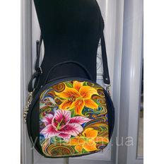 фото: пошитая сумка для вышивки бисером с картинкой Лилии