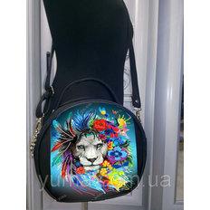 фото: пошитая сумка для вышивки бисером с картинкой Лев