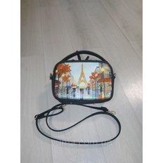 фото: пошитая сумка для вышивки бисером с картинкой Париж