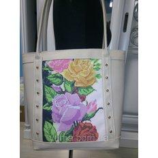 фото: пошитая сумка для вышивки бисером с картинкой розы